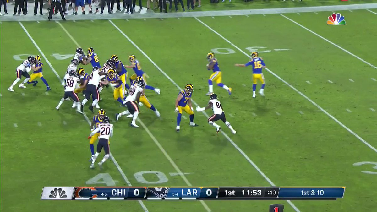 WATCH: Bears' defense forces pair of takeaways on Rams' first 2 drives