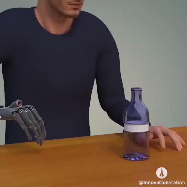 A bionic hand control movement by seeing @StudentsNCL #AI #ArtificialIntelligence #Robotics #Health #ComputerVison #Tech #Innovation @MikeQuindazzi @sallyeaves @ramonvidall @SpirosMargaris @Fisher85M @jblefevre60 @Ym78200 @chboursin @diioannid @THEAdamGabriel @mvollmer1 @leimer