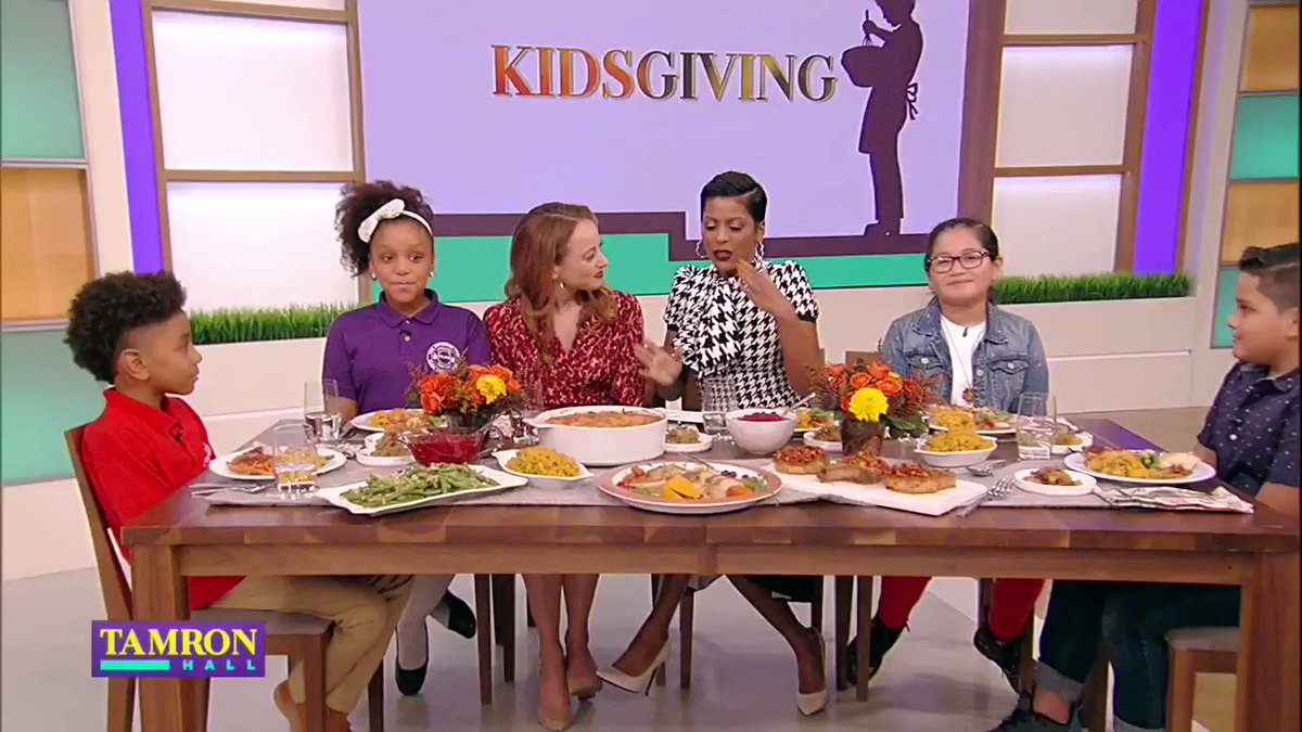 .@tamronhall shares a delicious Thanksgiving meal with four special @Common_Threads chefs!!
