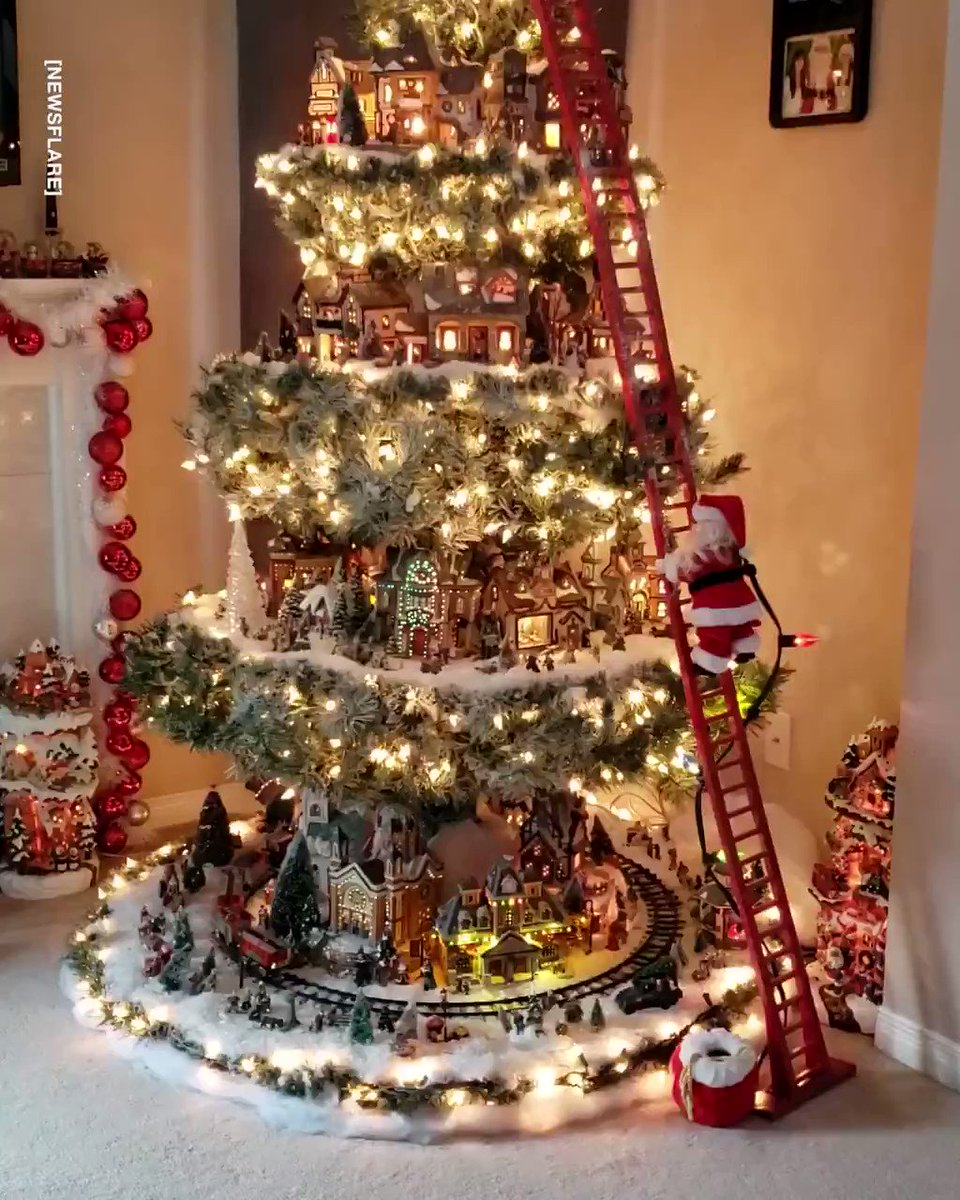 This Christmas tree is what we all dreamed of having as kids 😍🎄