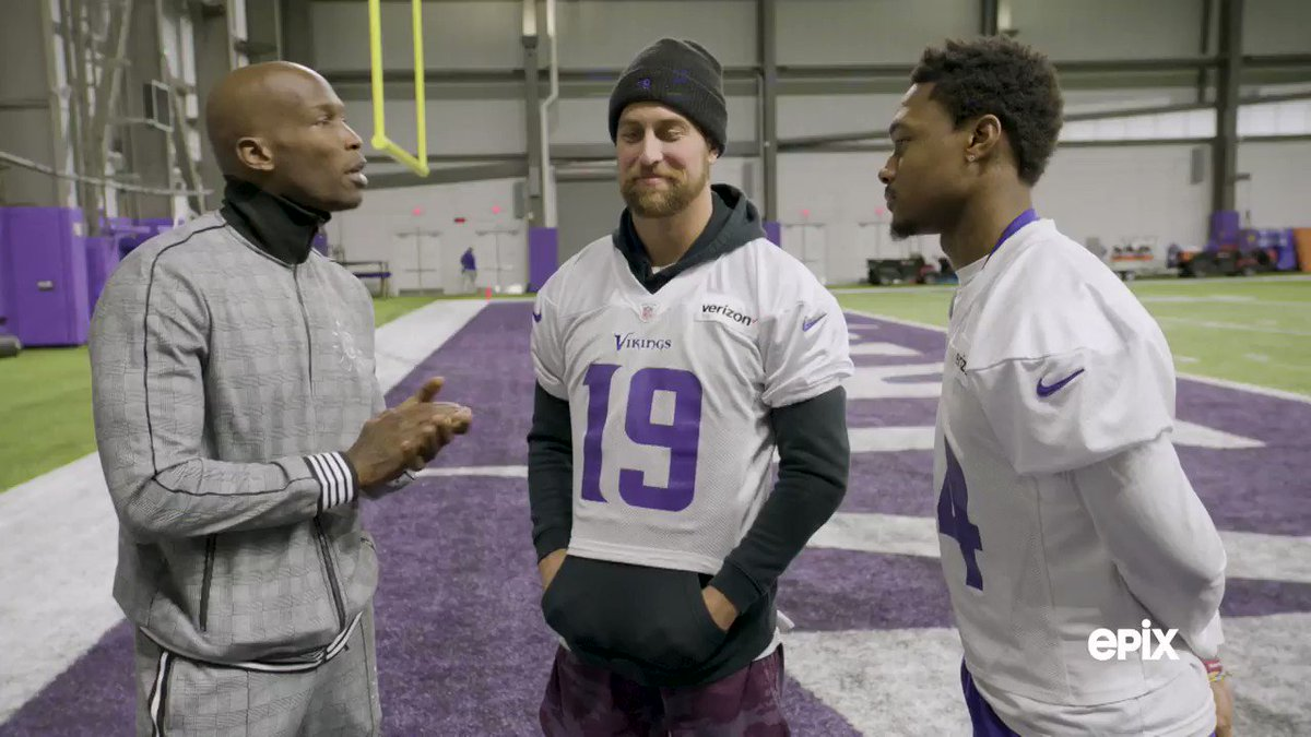 Burger connoisseur @ochocinco visits Minnesota's @58club and gives us a comprehensive review of their famous Juicy Lucy burger!    @athielen19 @stefondiggs @vikings  Catch an all-new #NFLTheGrind TONIGHT at 9/8c, only on EPIX.