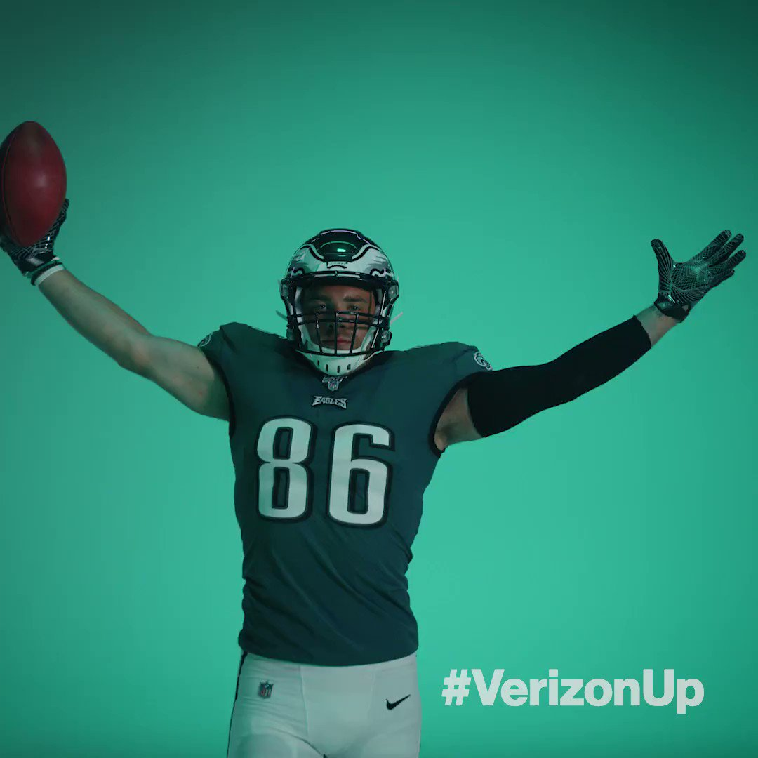 Nothing beats #MNF at home in December 🏈. #VerizonUp gets you #Eagles tix all season all season, all in the My @Verizon app. m.vzw.com/m/tnAqRxb #FlyEaglesFly #ad