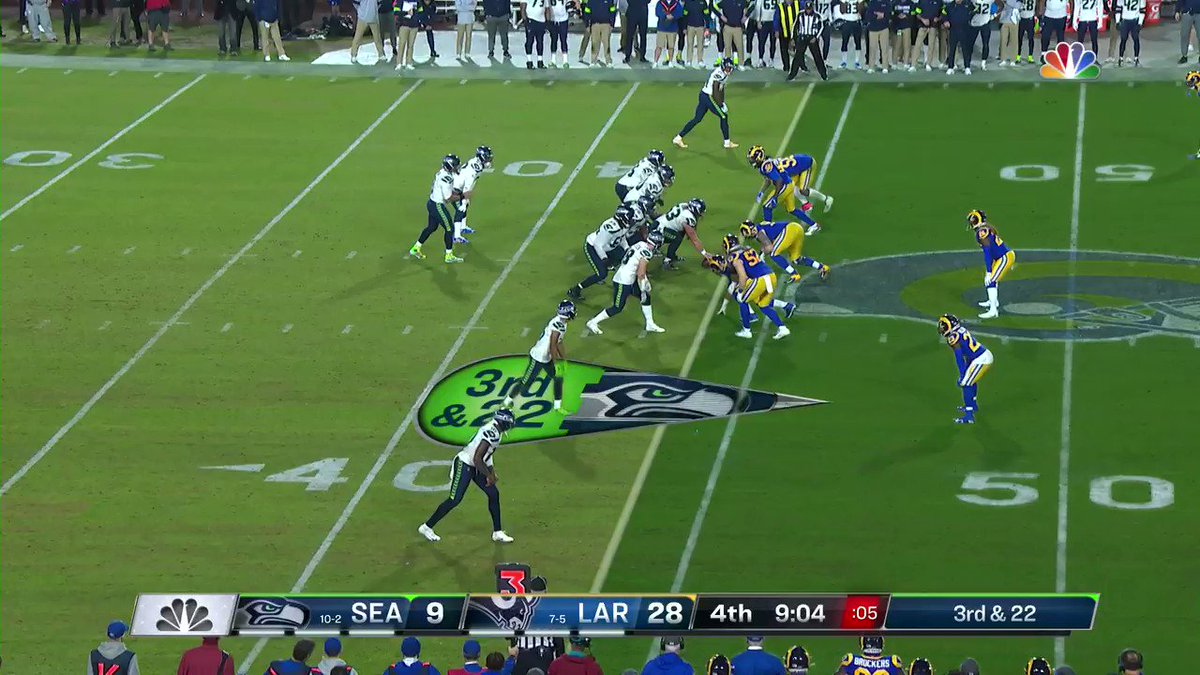 DK Metcalf with the 35-yard catch down the sideline! @dkm14 #Seahawks 📺: #SEAvsLAR on NBC 📱: NFL app // Yahoo Sports app Watch free on mobile: on.nfl.com/0nmmiM