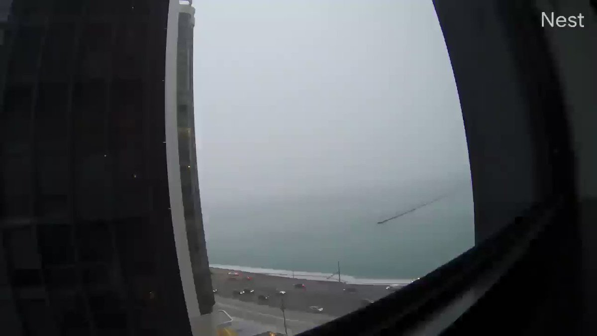 Video from a Nest camera captures the moment a Chicago Park District truck slid into Lake Michigan. Credit: Mary Dwyer cbsloc.al/2rrxHm4