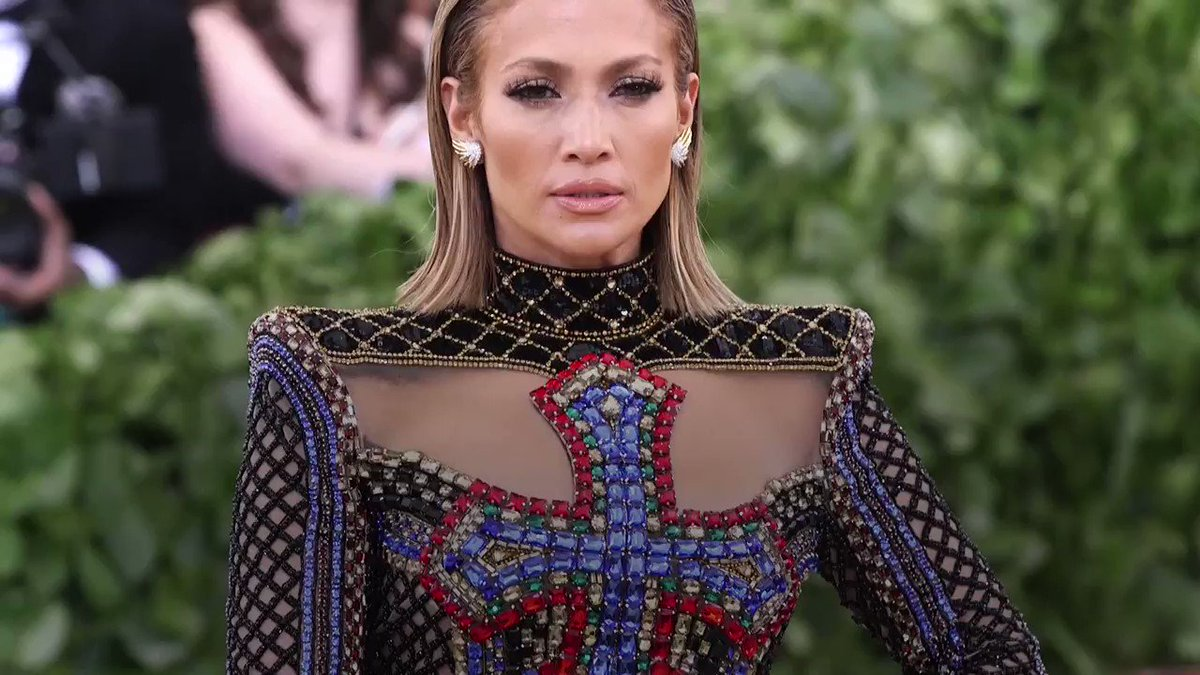Image for the Tweet beginning: Jennifer Lopez is worth HOW