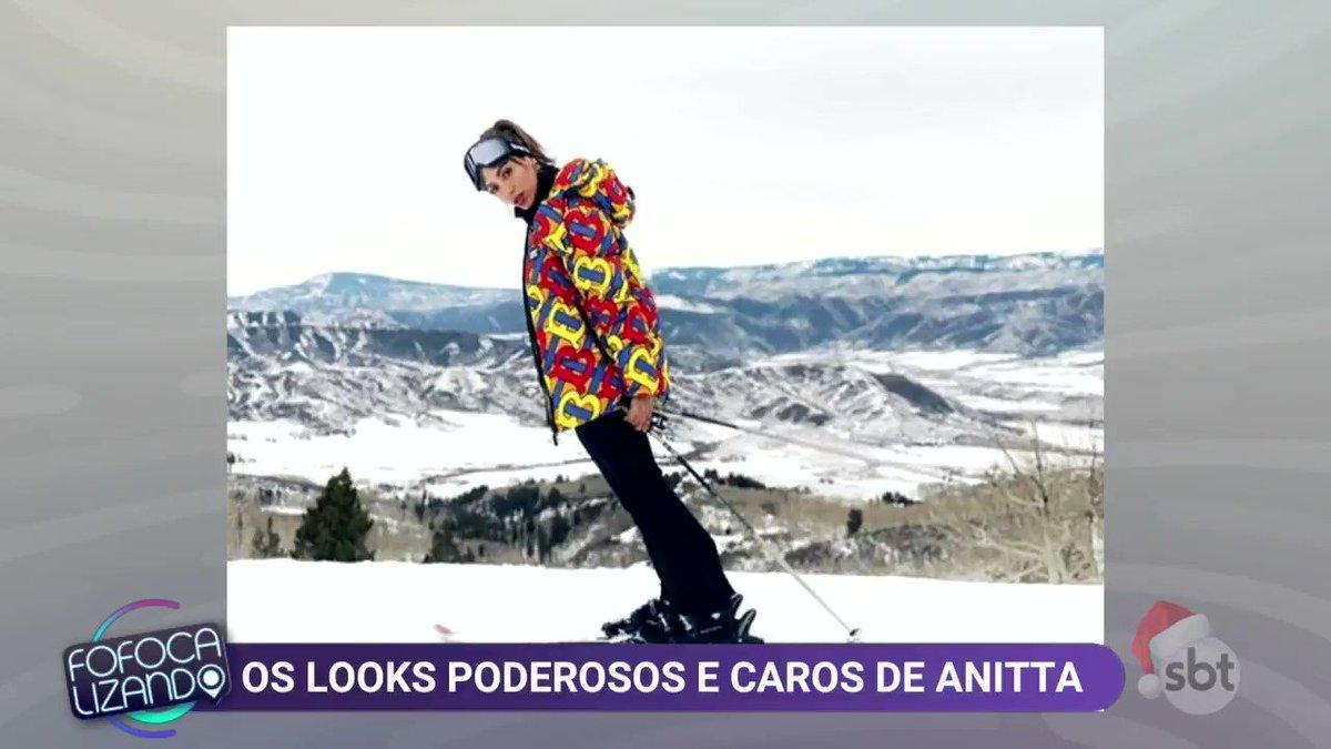 #Fofocalizando #FofocalizandoNoSBT Anitta usou um casaco de R$ 7 mil e deu o que falar!
