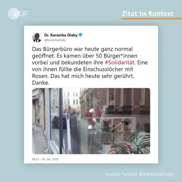 Nachdem Einschusslöcher bei dem Bürgerbüro des Bundestagsabgeordneten @KarambaDiaby festgestellt wurden, setzten die Bürgerinnen und Bürger von #Halle ein klares Zeichen der #Solidarität. #Diaby