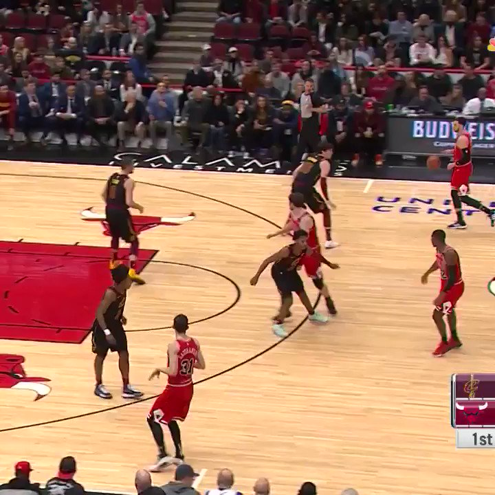 LaVine takes over for the Bulls - as per usual 🤷‍♂️  #BeTheFight 116-118 #BullsNation  •LaVine: 42p/6r/5stls  •Lauri: 17p  •Love: 29p/5r/6a  •Sexton: 26p/7r  #NBA #NBATwitter