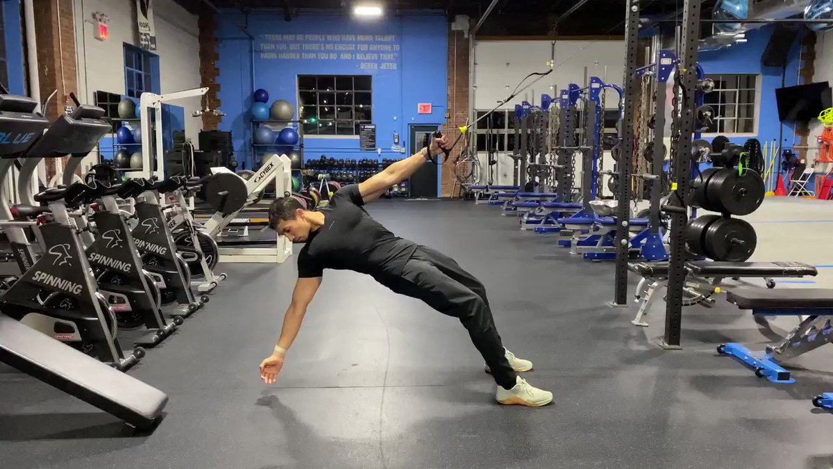 Image for the Tweet beginning: The Triple-Position TRX row is