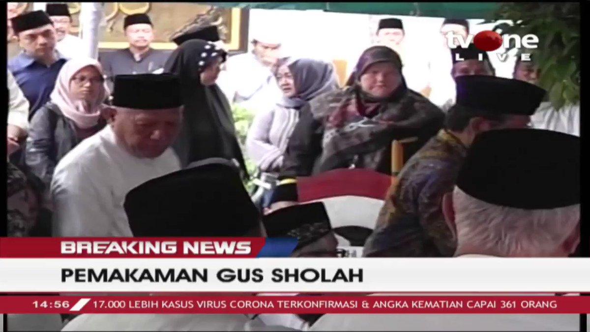 Menko Polhukam, Mahfud MD menyampaikan doanya untuk Alm. Agus Sholah. Selengkapnya di tvOne connect. #tvOneNews #BreakingNewstvOne #MahfudMD #AgusSholah