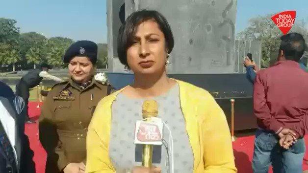 J&K के DGP दिलबाग सिंह ने 'आजतक' की @kamaljitsandhu से ख़ास बातचीत में #PulwamaAttack  और आतंकवाद पर की खुलकर बात #ReporterDiary : http://bit.ly/IndiaTodaySocial…