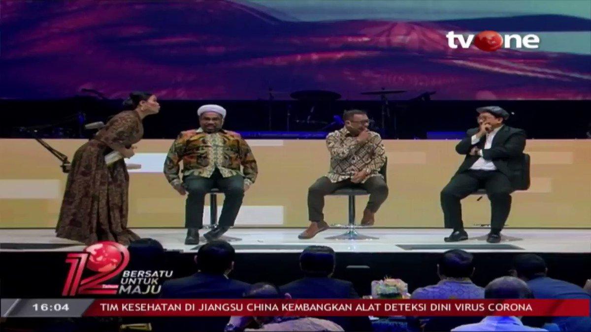 Okky Lukman bertanya langsung pada Fadli Zon yang sebelumnya sempat menjadi oposisi. Apa jawabannya? Selengkapnya di tvOne connect. #tvOneNews #BersatuUntukMaju