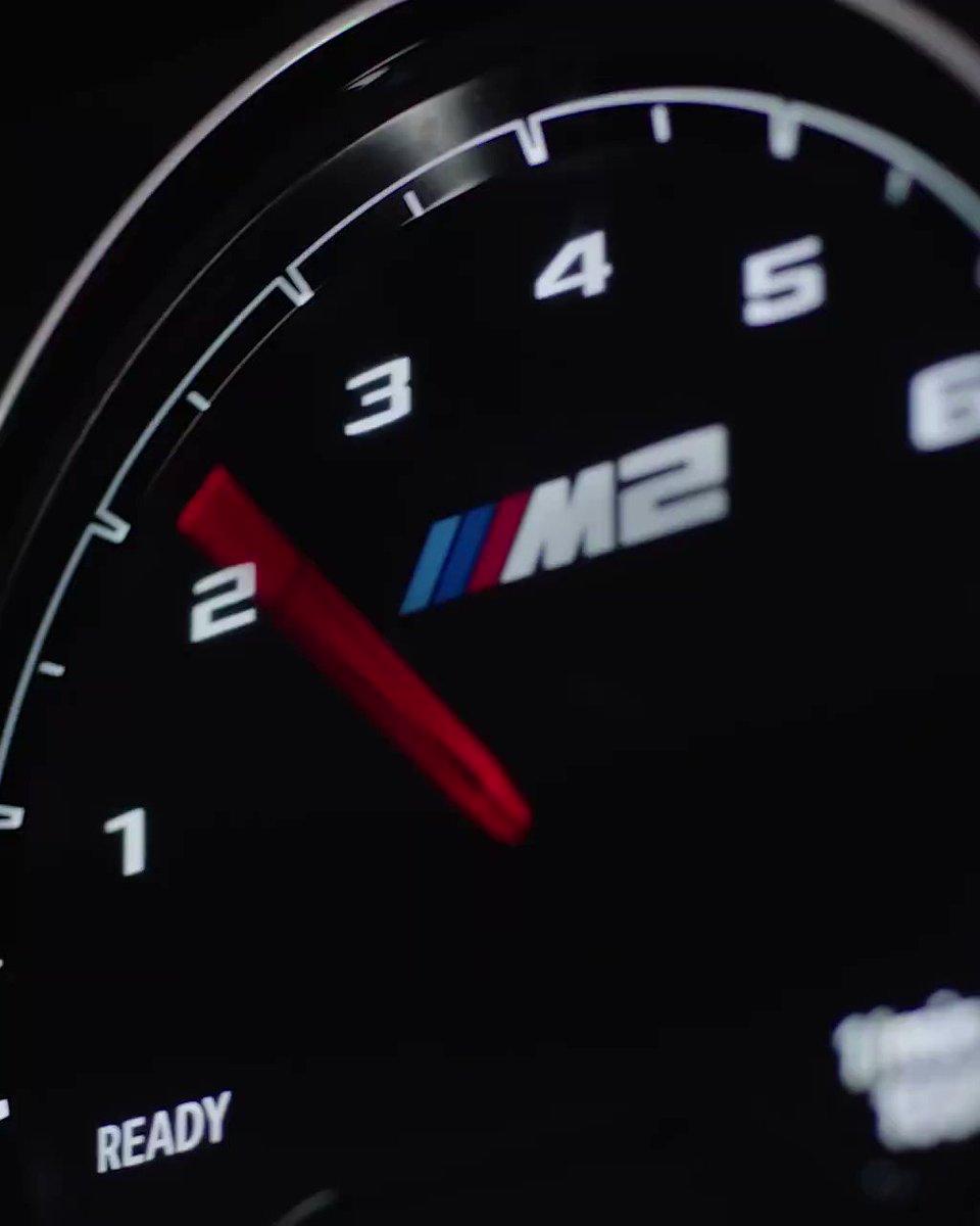 Pasión, potencia y presencia unidos. El resultado, salta a la vista. BMW M2 CS 💥 #TheM2 #MartesconM  👉🏻 http://bit.ly/2EAwqM5