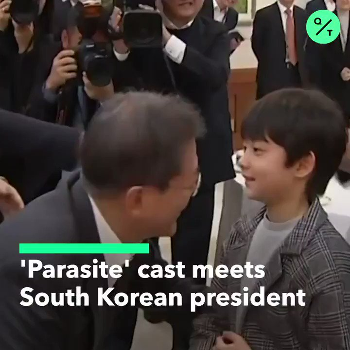 """""""I am very proud.""""  South Korea's President Moon Jae-in meets with Parasite Director Bong Joon-ho and cast members at the Blue House after the movie's historic #Oscars wins pic.twitter.com/2Kwdd8QB1X"""