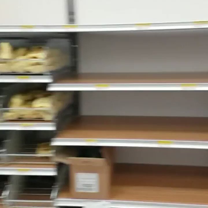 Empty shelves as #coronavirus fears spark food shortages in northern regions #Italy #Rozzano