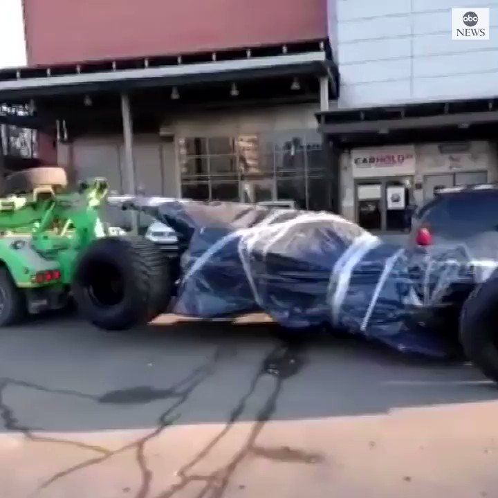 BATMAN BUSTED: A homemade Batmobile got towed by police in Moscow, Russia. abcn.ws/2Vrl7j2