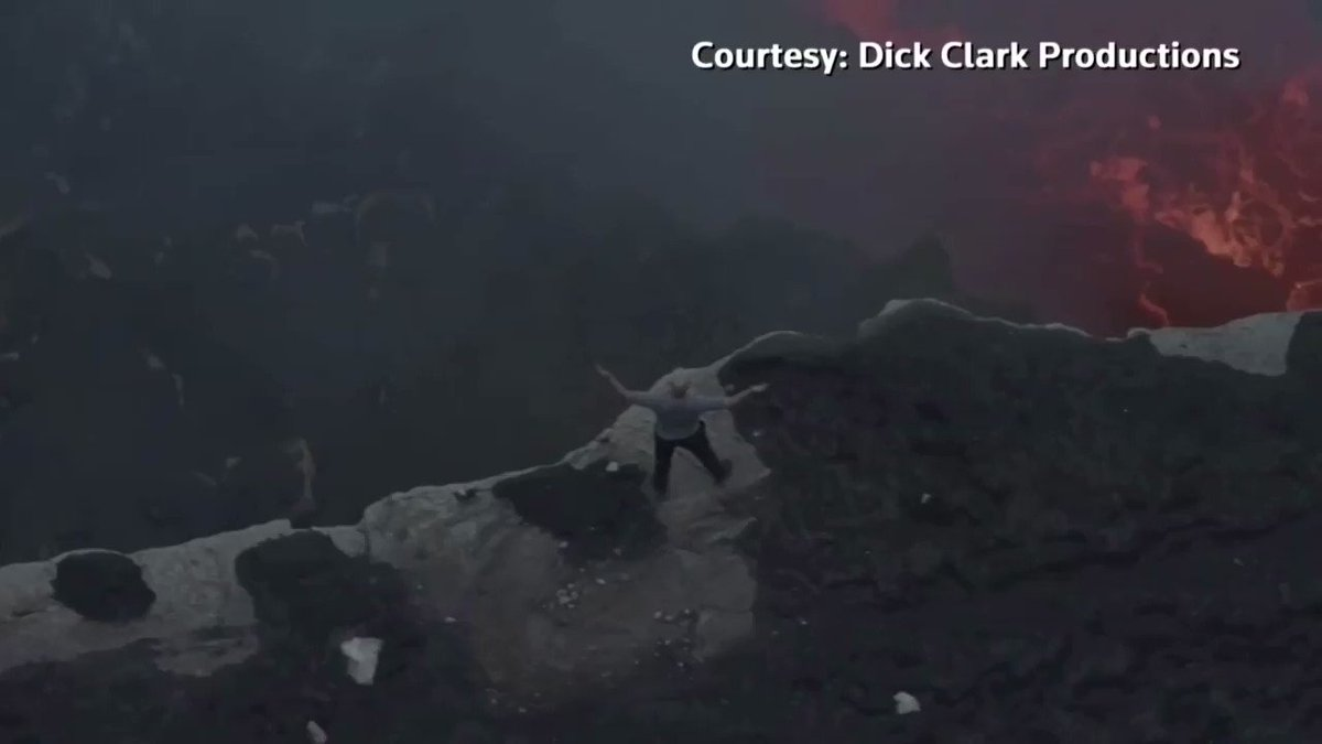 Tightrope walker Nik Wallenda plans to walk over a live volcano in Nicaragua and is prepared for the worst https://reut.rs/2TBiCbF