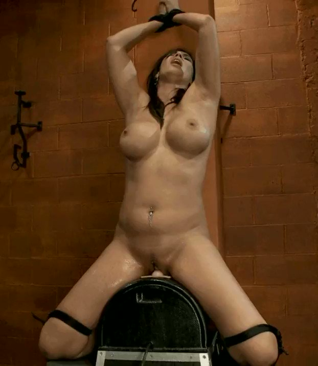 Cassandra cain bound on sybian