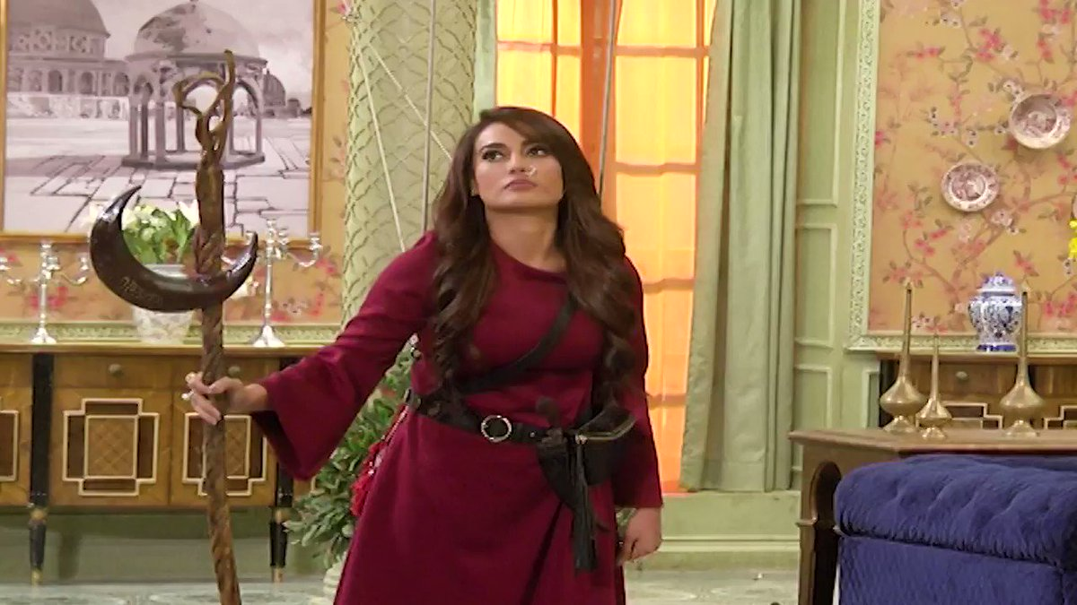#YehhJaduHaiJinnKa 11th March 2020 episode preview: #SurbhiJyoti  entered the show with double role of #Laila and #Chandani where one is evil and the other tries to save people from her. #Aman and #Roshni use their powers to stop them from harming family members.