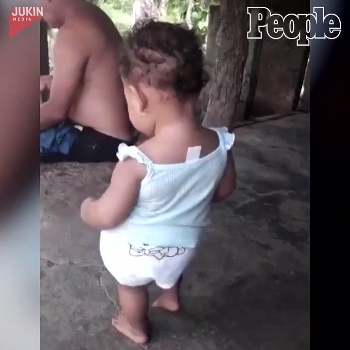Just an adorable baby showing off some dance moves. 💃
