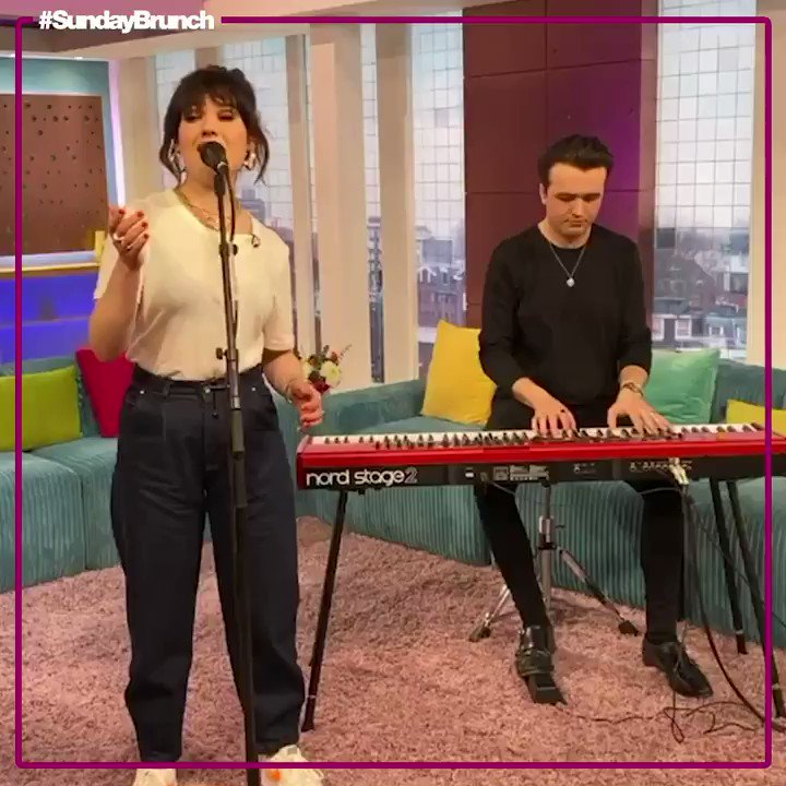 Now to play us out with 'Nothing On You' it's @LilyMooreMusic! 🎶 #SundayBrunch