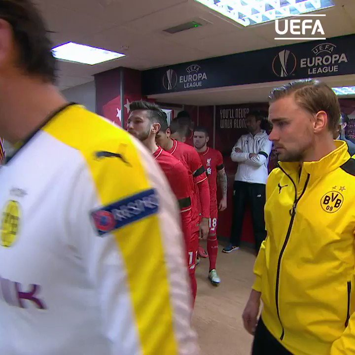 Here come the teams! 🙌  Kick-off between Liverpool and Dortmund on http://UEFA.tv  is moments away...   #UELclassics
