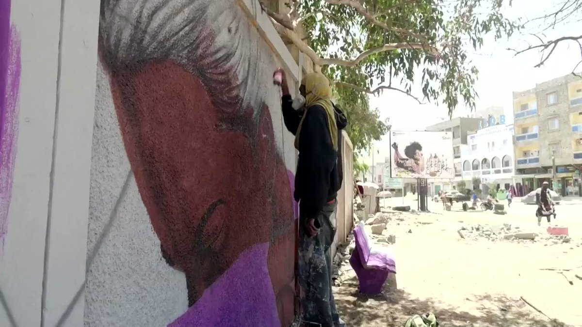 Senegal's leading graffiti artists are deploying their craft to raise awareness about the coronavirus https://reut.rs/2JfJcSG