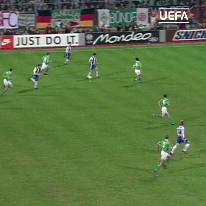 📅 Domingos Paciência golazo #OTD in 1994! #UCL | #OnThisDay | @FCPorto