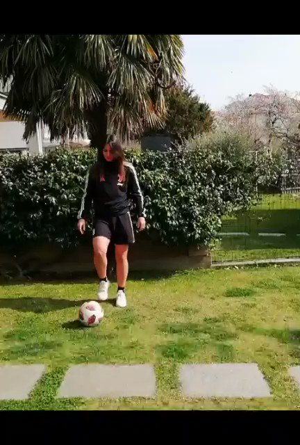 How Michela Franco is passing her days at home 👟⚽️