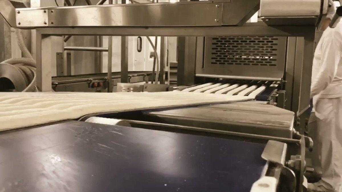En esta emergencia sanitaria y cada día, la industria #panadera trabaja con los mejores estándares.  Fuente: Asociación Española de la Industria de Panadería, Bollería y Pastelería.  #pastelería #marraqueta #panaderíaartesanal #yomequedoencasa