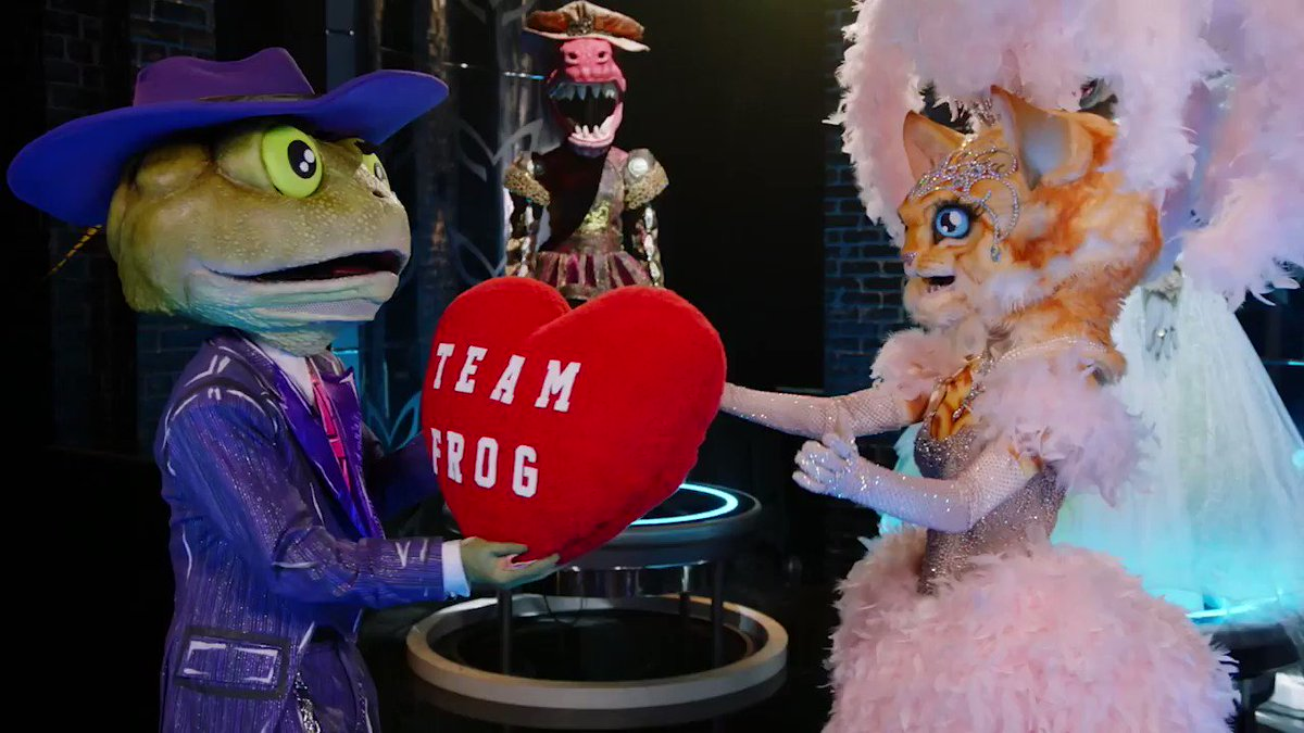 Who's shipping #FrogMask and #KittyMask? 🐸❤️🐱 #TheMaskedSinger