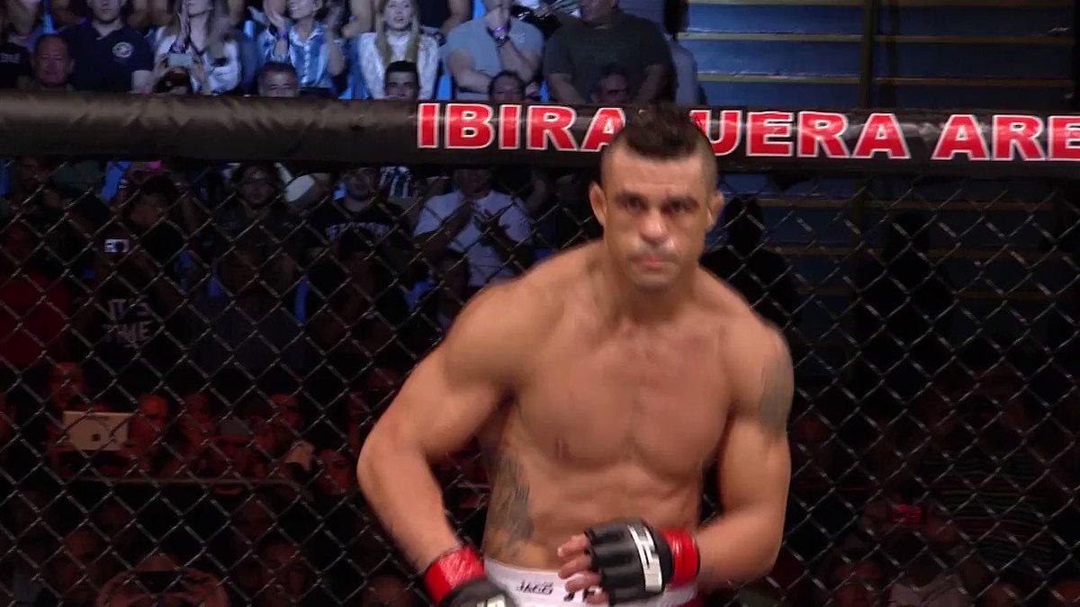 O @canalcombate reprisou ontem a vitória do Vitor Belfort sobre o @bisping no #UFCSP, em 2013 - e se você perdeu, vamos colocar aqui para relembrá-lo do nocaute do brasileiro 👊🇧🇷  #EmCasacomUFC #HomeWithUFC https://t.co/3MN03LYnrV
