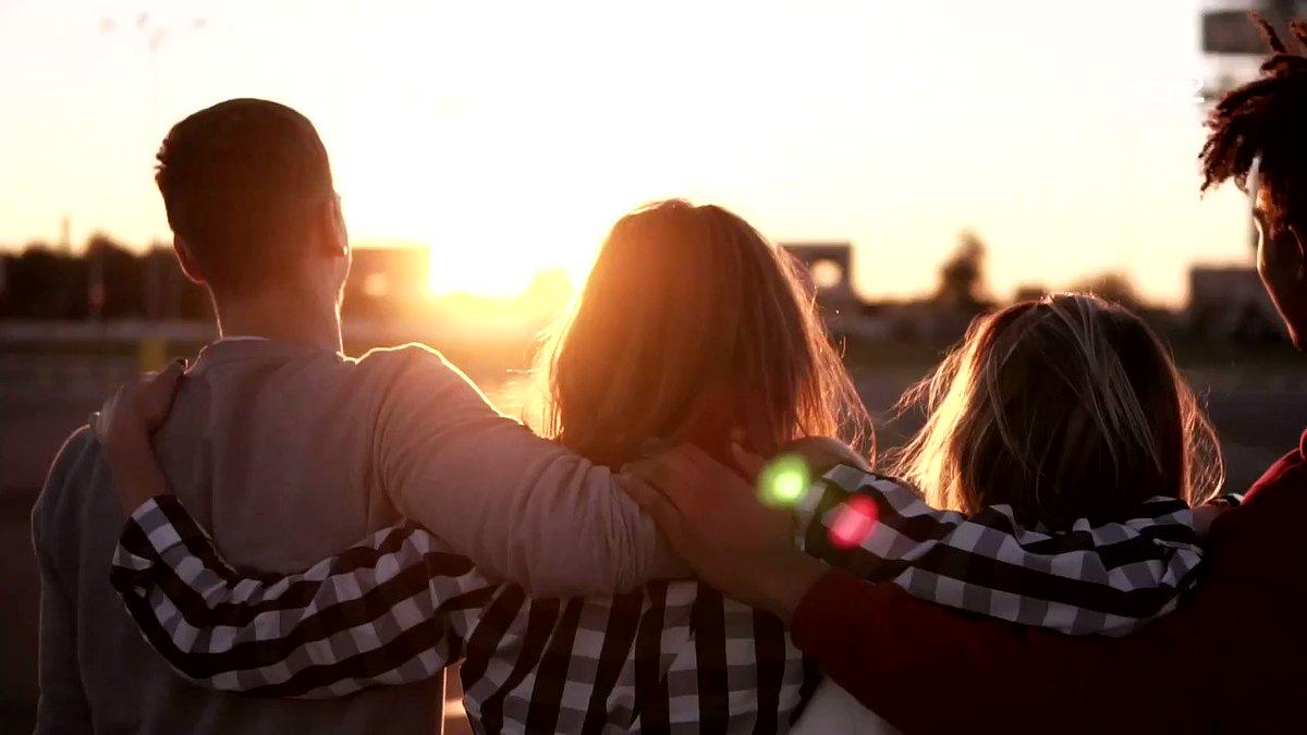 #EGM | ¿Cuánta gente cabe en un abrazo? @La_SER abraza a 4.113.000 oyentes al día y lidera el gran abrazo diario de toda la radio en España   🤗🤗 ¡G R A C I A S!  🤗🤗  #ElAbrazoMásGrande https://t.co/74Ph2qS64h