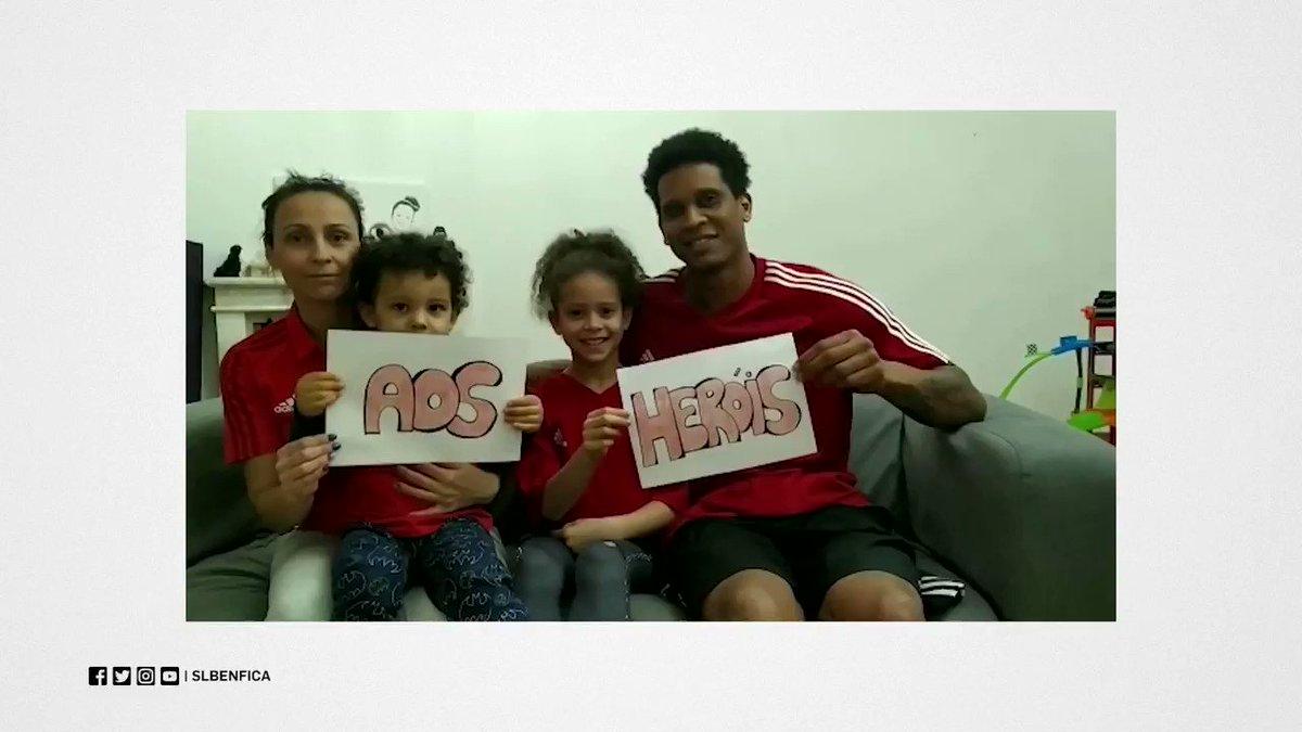 🙏 Muito obrigado aos verdadeiros heróis. #BenficaEmCasa