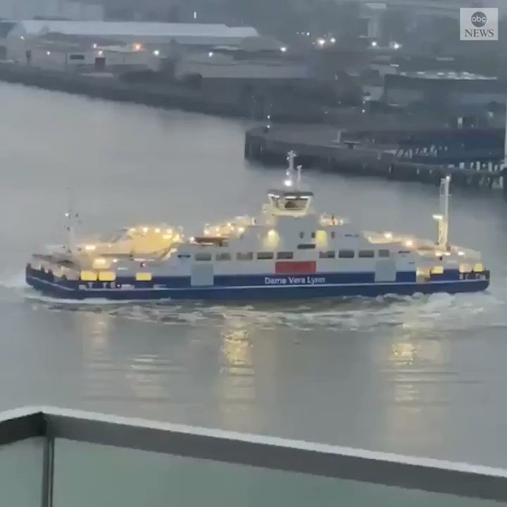 FULL STEAM AHEAD: London's Woolwich Ferry performed donuts on the River Thames in support of health care workers on the front line of the COVID-19 pandemic. https://t.co/htOkkfBOgJ https://t.co/2PtH5JVzr6