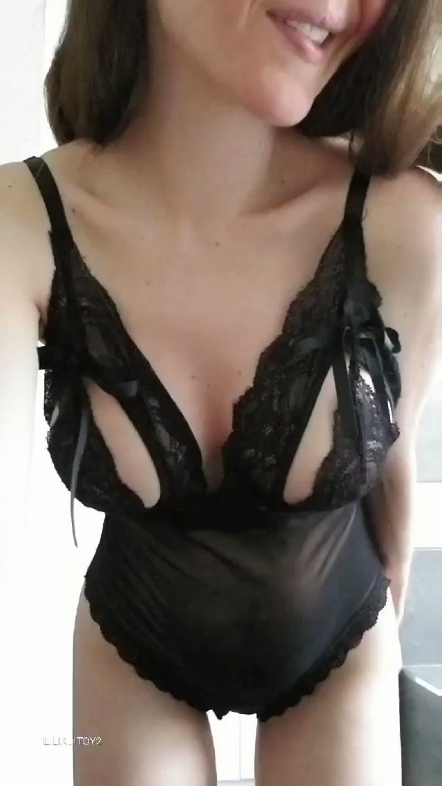 MomsGoneBad - Sexy lingerie on a perfect milf
