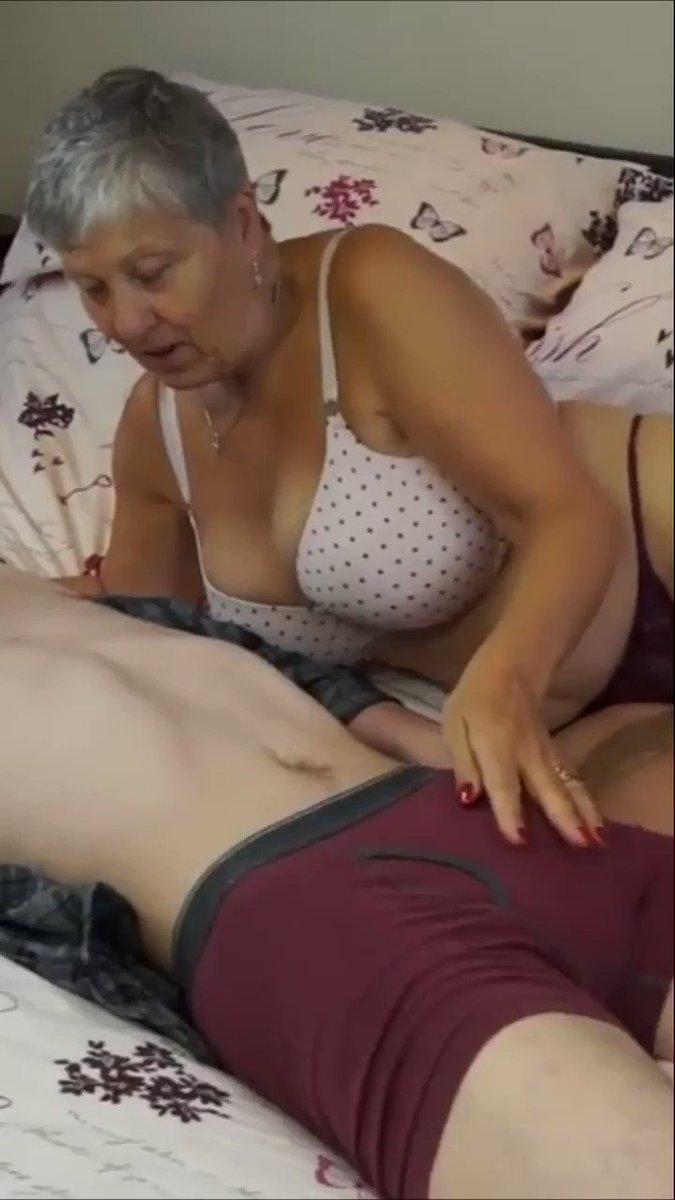 Kız Porno - https://t.co/V9Eo9aVWs1