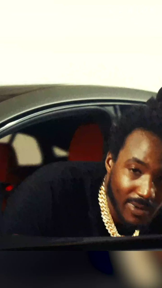 .@mozzythamotive brought bars on bars in his 🔥🔥🔥 #GeniusFreestyle