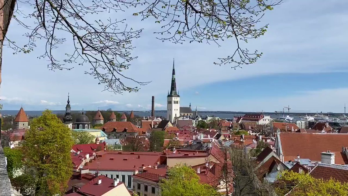 Today is #Tallinn Day - the day Tallinn received city rights with the Lübeck Law 772 years ago. With this, today´s capital of #Estonia was admitted to the Union of European Cities. Happy Birthday!💐 #VisitTallinnLater #OTD https://t.co/MpMoPCbb5F