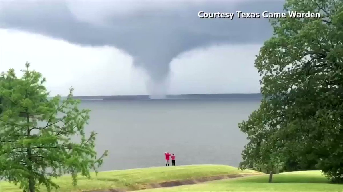 WATCH: A waterspout formed over the Wright Patman Lake in northeastern Texas https://t.co/eSvCamMELD