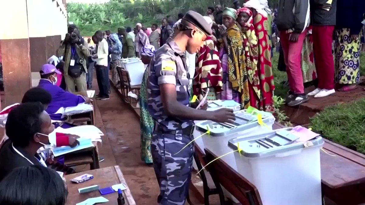 Image for the Tweet beginning: Voting in Burundi's presidential election