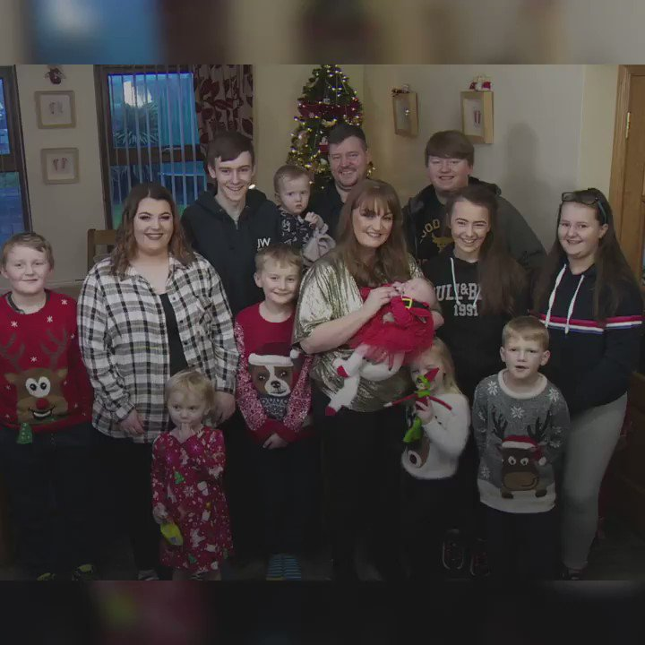 What's lockdown like when you have 13 children? Meet the Johnston family. 👇👶🏻