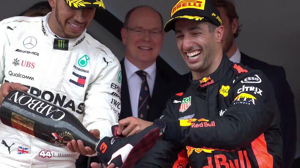 No @danielricciardo podium is complete without it 🍾👟  #F1Rewind https://t.co/Ih5QJElPaU