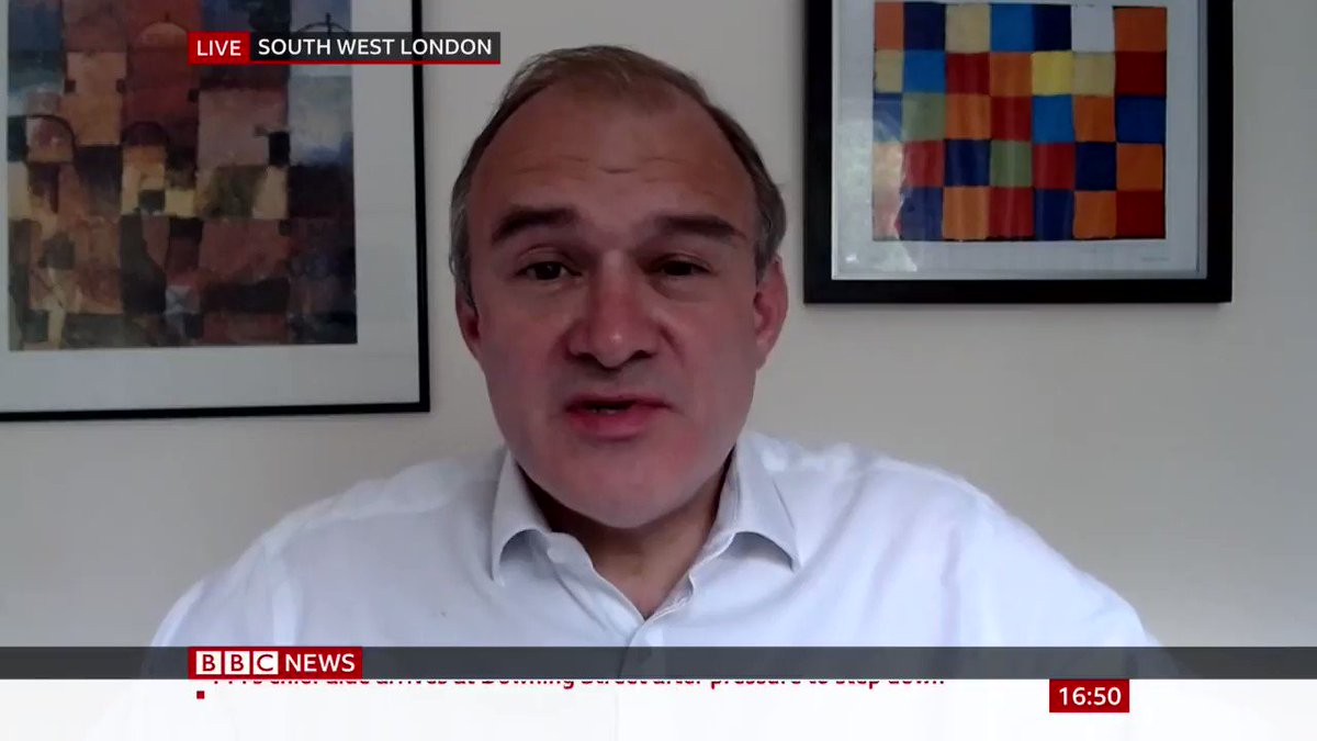 """""""Surely the PM should stand up for the millions of people in Britain and not back his closest adviser""""  Acting Lib Dem Co-leader Ed Davey calls for Dominic Cummings' departure, calling him a """"distraction"""" during this """"national crisis of untold proportions"""" https://bbc.in/3bY1lk2pic.twitter.com/0u4Fn7PQ7o"""