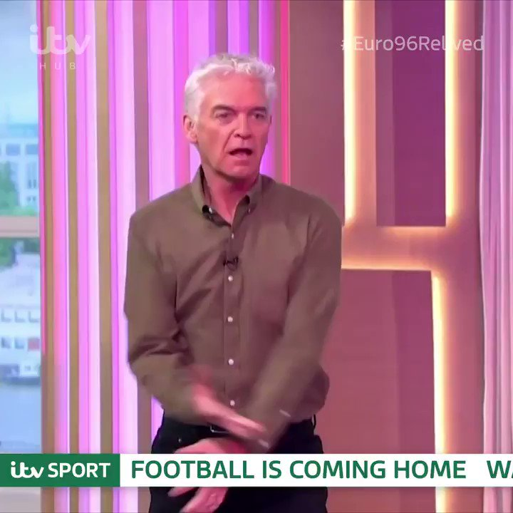 Our This Morning family and our frontline care workers know: football is coming home. 🏴 England vs Germany 🇩🇪 ⏰ 6:50pm 📺 @ITV4 📱 @ITVHub ⚽️ 👉bit.ly/2A0XbdE #Euro96Relived @itvfootball @thismorning @hollywills @Schofe @AlisonHammond