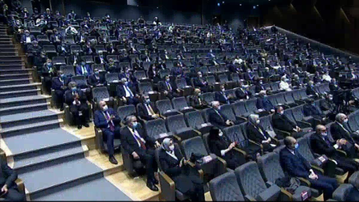 @RTErdogan Menderesi ve arkadaşlarını idam sehpasına çıkartanların ve onları destekleyenlerin alınlarındaki kara leke hiçbir zaman silinmeyecektir. #DemokrasiVeÖzgürlüklerAdası #perşembe #meteor