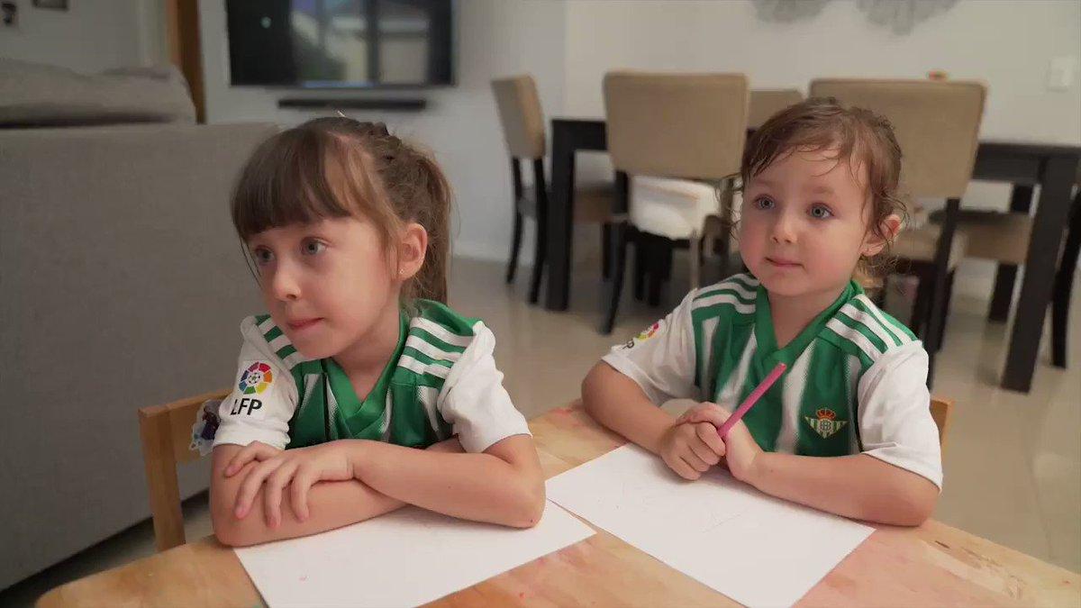 ¿Os acordáis de este vídeo? 👧💚 Juanma Linares, el superpapá bético de estas dos niñas, ha sufrido un infarto y está en coma inducido en un hospital de Estados Unidos 😔 Su familia nos necesita para cubrir los gastos médicos 🏥 ¡Colaboremos! 💵👇 ➡ gofundme.com/f/juanma-linar…