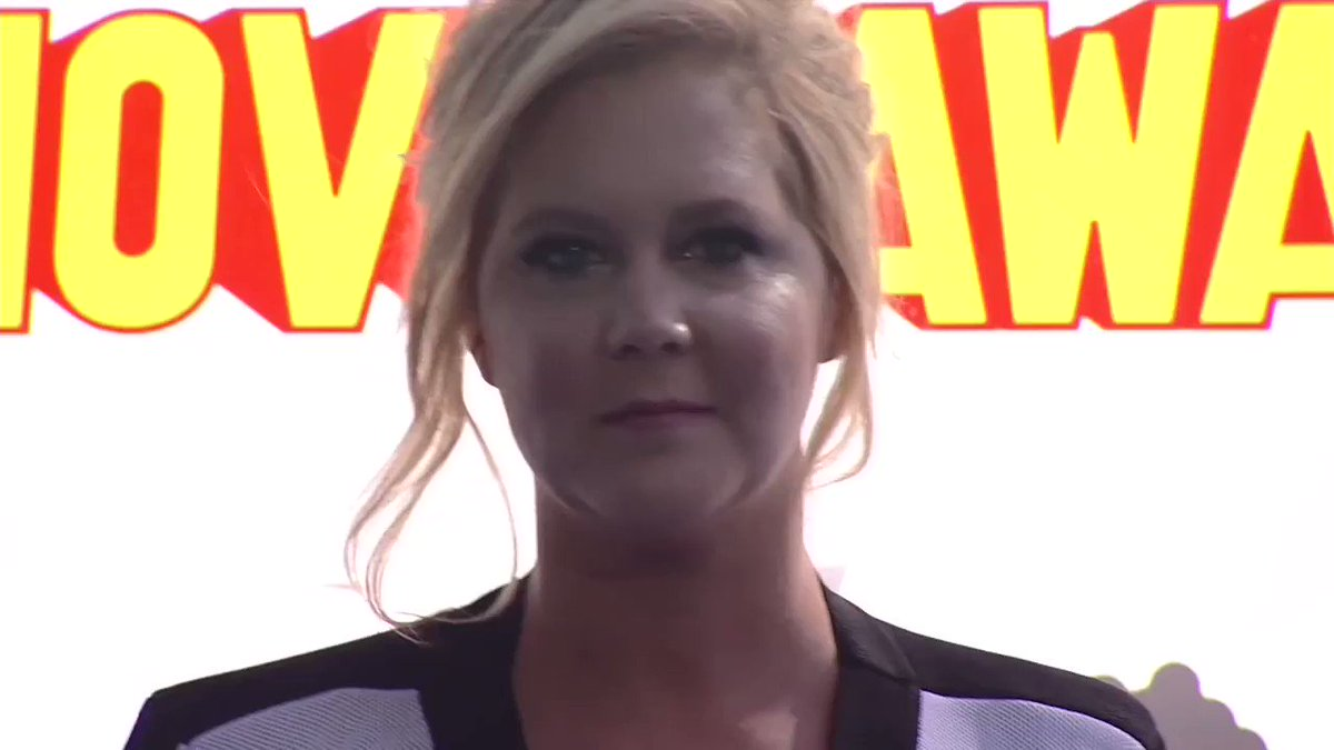 Amy Schumer would 'throw the mic' at anyone who sneezes at her shows #AmySchumer