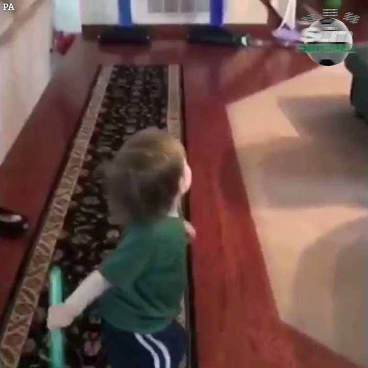 Two-year-old is going to be a major sport star pic.twitter.com/IOeQYsqNkP