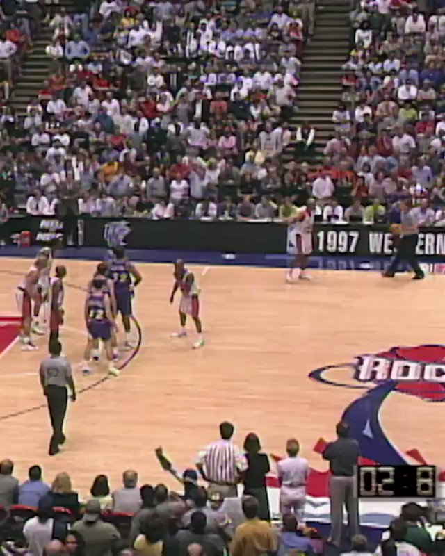 Last night's #NBATogetherLiveClassic Game featured John Stockton's game-winner from Game 6 of the 1997 Western Conference Finals 🎷 #TissotBuzzerBeater https://t.co/IwdL58IEeN